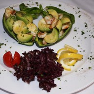 Салат из авокадо и креветок Фото