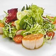 Салат с морским гребешком Фото