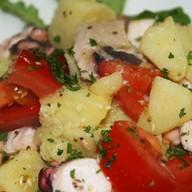Салат из осьминогов Фото