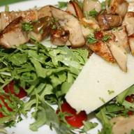 Салат из рукколы с пармезаном Фото