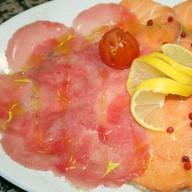 Карпаччо из лосося и тунца Фото