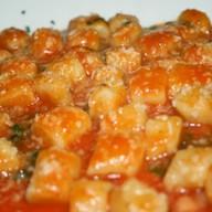 Ньокки в соусе из помидор Фото