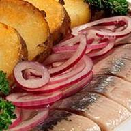 Филе сельди с отварным картофелем Фото