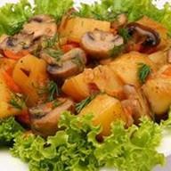 Картофель с жареными грибами Фото