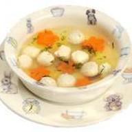 Суп с клецками из куриного фарша Фото