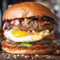 Дабл-чизбургер Фото