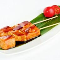 Японский шашлычок из лосося Фото
