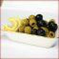 Оливки, маслины Фото