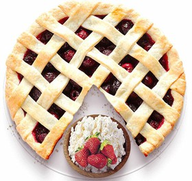 Песочный пирог с творогом и клубникой - Фото