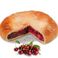 Постный пирог с вишней Фото