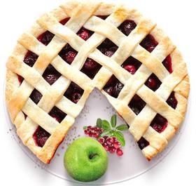 Песочный пирог с яблоком и брусникой - Фото