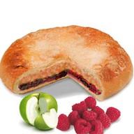 Пирог с яблоком и малиной Фото