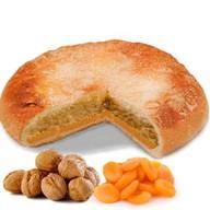 Пирог с орехом и курагой Фото