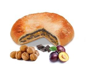 Пирог с орехом, сливой и шоколадом - Фото
