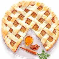 Песочный пирог с морковью,медом и изюмом Фото