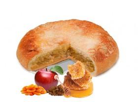 Пирог с яблоком, курагой и изюмом - Фото