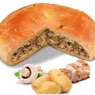 Пирог с курицей, картошкой и грибами Фото
