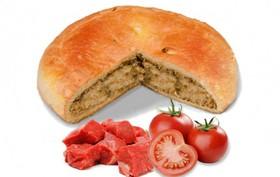 Пирог с говядиной и помидорами - Фото