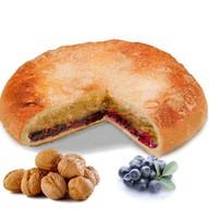 Пирог с орехом и черникой Фото