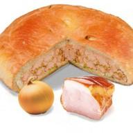 Пирог с окороком и луком Фото