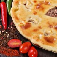 Пирог с мясом классический Фото