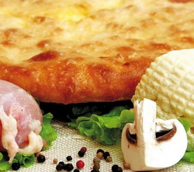 Пирог с мясом, сыром и грибами - Фото
