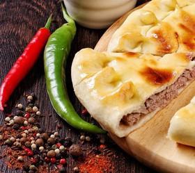 Пирог с рубленым мясом традиционный - Фото