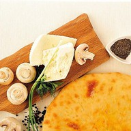 Пирог с сыром и грибами Фото