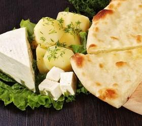 Пирог с сыром и картофелем - Фото