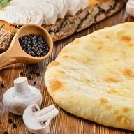 Пирог с сыром, курицей и грибами Фото