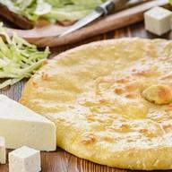Пирог с сыром, курицей и капустой Фото