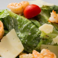 Цезарь с креветками салат Фото