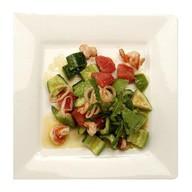 Салат с авокадо и морепродуктами Фото