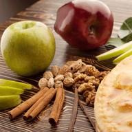 Яблочный джин с яблоком Фото