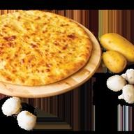С картофелем и грибами Фото