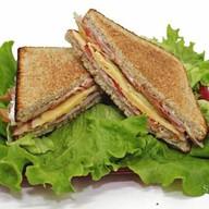 Сэндвичи с ветчиной Фото