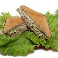 Сэндвичи с тунцом Фото