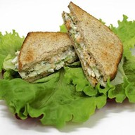 Сэндвичи с куриной грудкой Фото