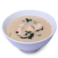 Суп сливочный с лососем Фото