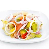 Копченая курица с овощами в кисло Фото