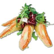 Зеленый салат с рулетиками Фото