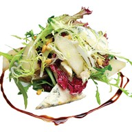 Салат микс с грушей и сыром Фото