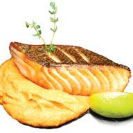 Стейк из лосося с пюре и тыквы Фото