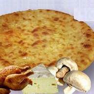 С курятиной, грибами и сыром Фото