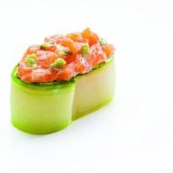 Лосось с авокадо Фото