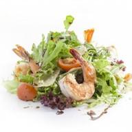 Микс-салат с тигровыми креветками Фото