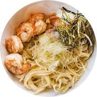 Спаггети в сливочном соусе с креветками Фото