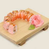 Теплый ролл с лососем темпура Фото