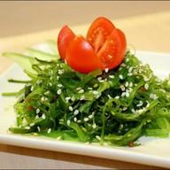 Салат из морских водорослей Фото