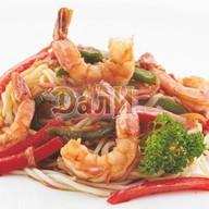 Лапша рамэн с креветками и овощами Фото